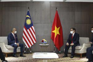 Thủ tướng Phạm Minh Chính tiếp xúc song phương với Thủ tướng Malaysia