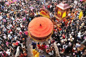 Tiếp tục dừng lễ hội, hạn chế hoạt động tập trung đông người