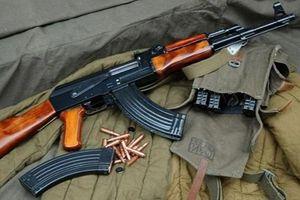 Đại úy quân đội dùng AK bắn chết bố mẹ vợ