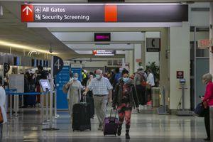 Mỹ: Hoạt động mua sắm tại các sân bay bắt đầu nhộn nhịp trở lại
