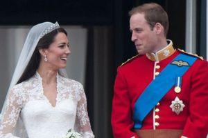 Công chúng 'phát sốt' trước các bức ảnh kỷ niệm 10 năm ngày cưới của Hoàng tử William và Công nương Kate