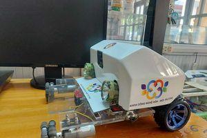 Cao đẳng Công nghiệp Huế chế tạo Robot phục vụ giảng dạy