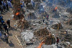 'Cơn đại hồng thủy chết chóc' của COVID-19 bủa vây Ấn Độ
