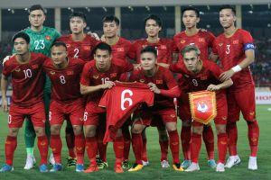 Trọng Hoàng chấn thương, ĐT Việt Nam 'gãy' đội hình 3-4-3