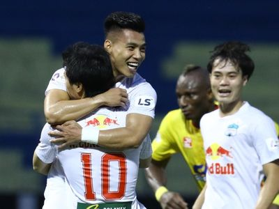 Chiến thắng 2-1 trước CLB Thanh Hóa giúp HAGL thiết lập nhiều cột mốc thống kê ấn tượng.