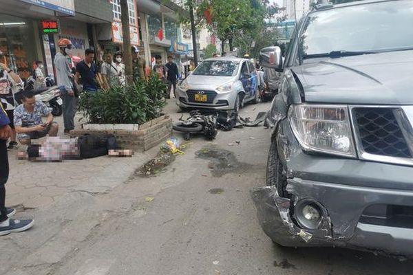 Xác định danh tính tài xế xe bán tải gây tai nạn liên hoàn trên phố Hà Nội