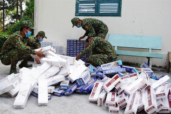 Bắt vụ vận chuyển gần 4.000 gói thuốc lá lậu