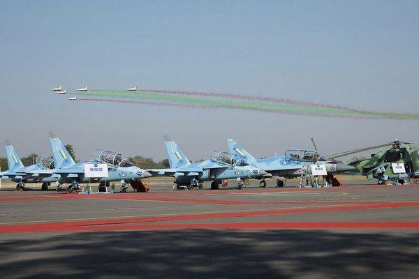 Căn cứ không quân Myanmar bị dội tên lửa