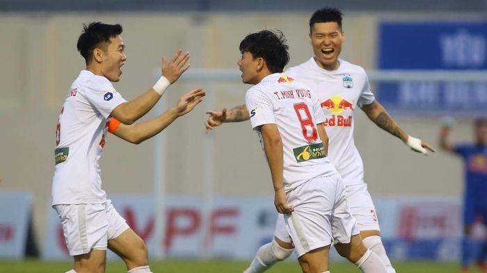 Vòng 11 V-League: HAGL củng cố ngôi đầu, Hà Nội FC xuống nhóm đua trụ hạng
