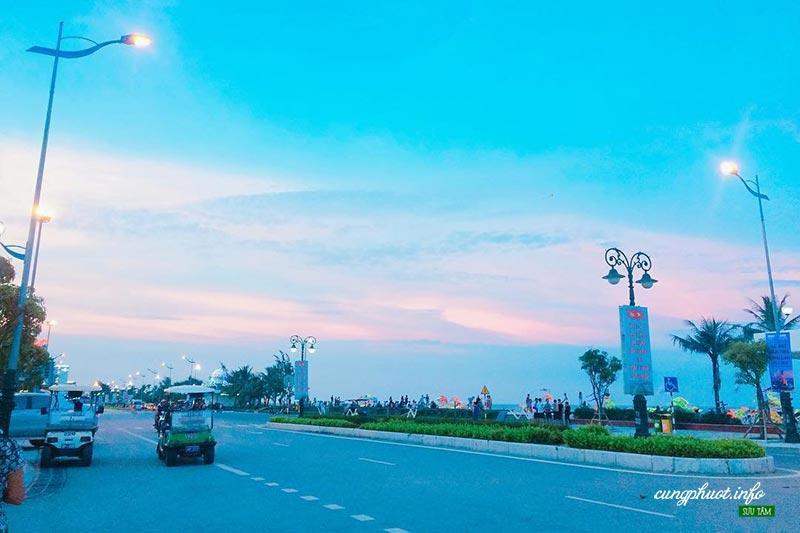 Hồ Xuân Hương - con đường được mệnh danh 'Đường tình yêu' lãng mạn nhất Sầm Sơn Ảnh 2