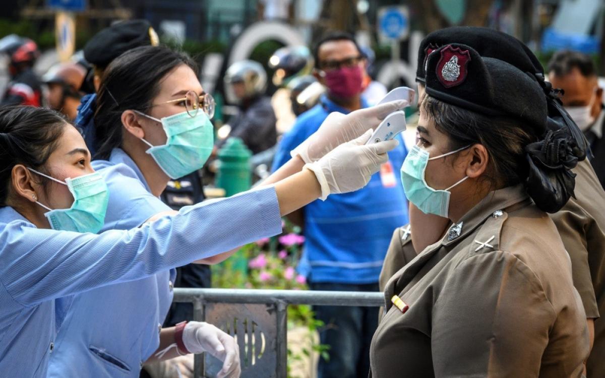 Thái Lan kéo dài luật tình trạng khẩn cấp chống Covid-19 thêm 45 ngày Ảnh 1