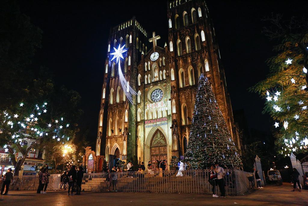 Nhà thờ Lớn Hà Nội - điểm check in ấn tượng dịp Lễ Giáng sinh không nên bỏ qua Ảnh 7