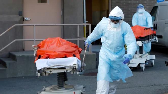 Cứ 40 giây là có một người chết vì COVID-19 ở Mỹ Ảnh 1