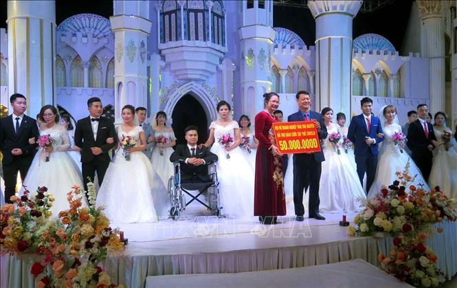 Xúc động Lễ cưới tập thể của 19 cặp đôi công nhân Ảnh 2