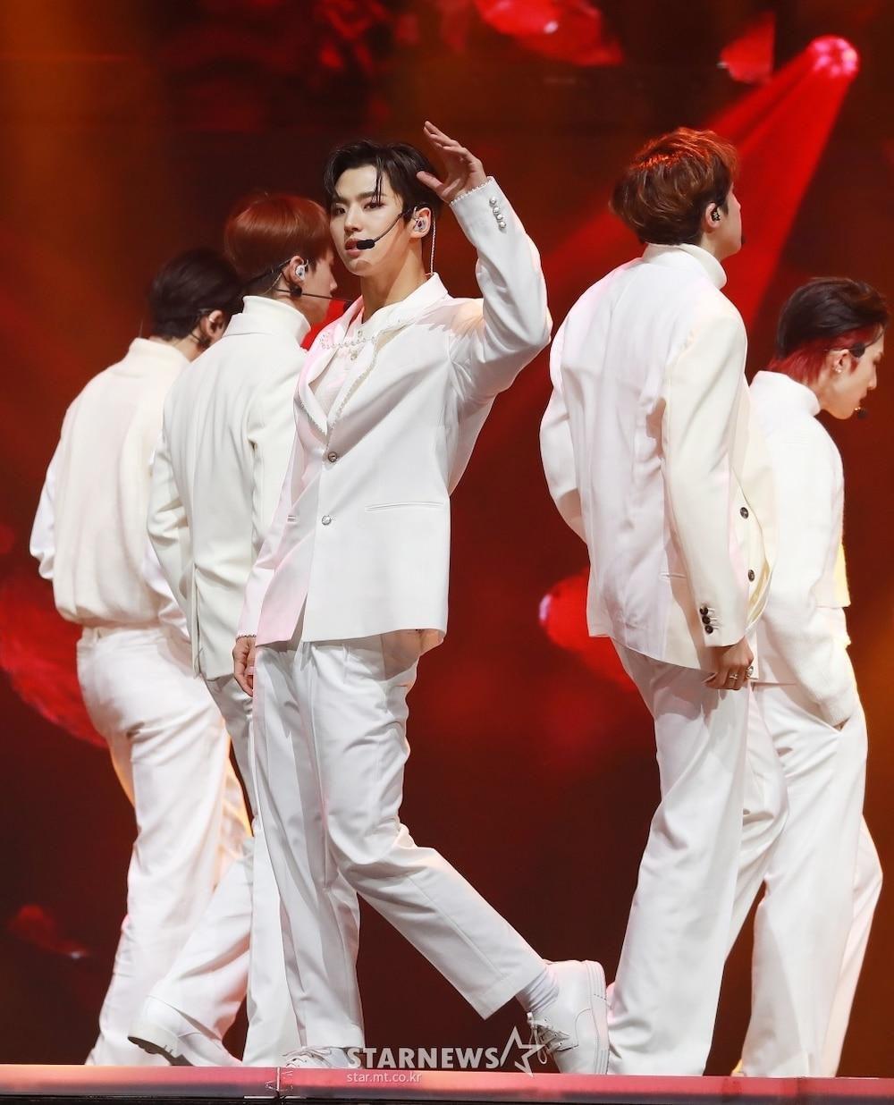 'AAA 2020': Sâu khấu bùng nổ của TWICE, Super Junior, Got7, NCT, ITZY và Kang Daniel Ảnh 86