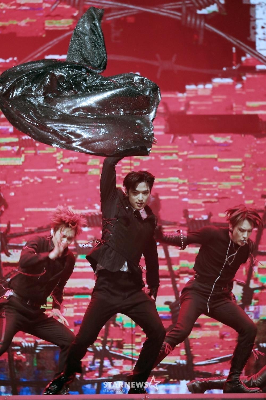 'AAA 2020': Sâu khấu bùng nổ của TWICE, Super Junior, Got7, NCT, ITZY và Kang Daniel Ảnh 14