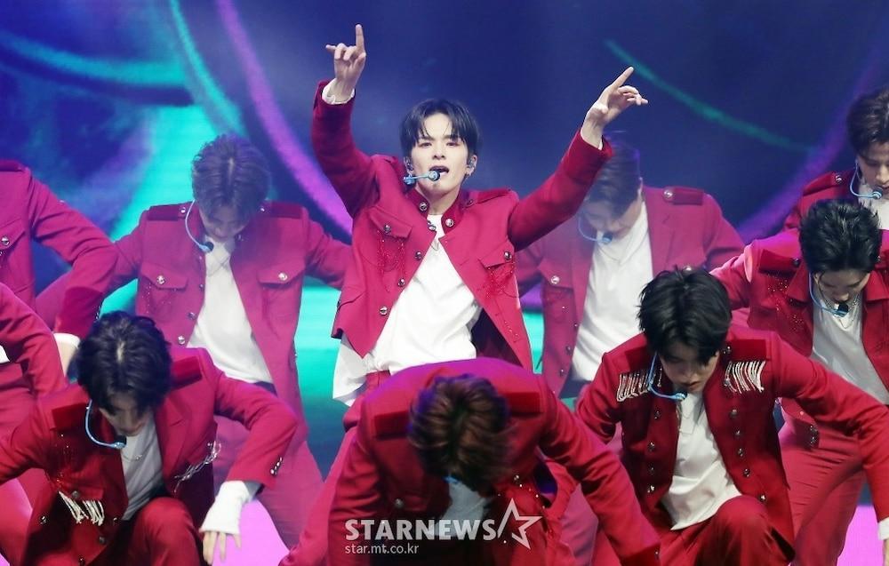 'AAA 2020': Sâu khấu bùng nổ của TWICE, Super Junior, Got7, NCT, ITZY và Kang Daniel Ảnh 68