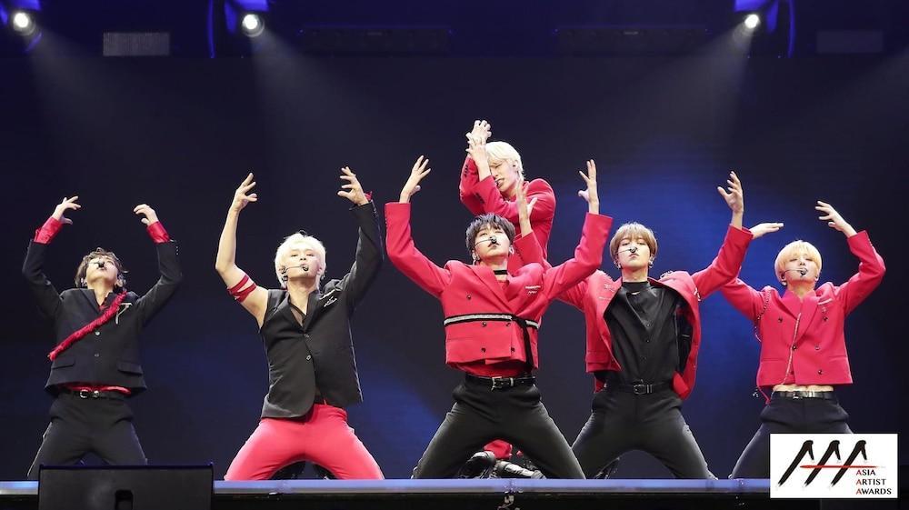 'AAA 2020': Sâu khấu bùng nổ của TWICE, Super Junior, Got7, NCT, ITZY và Kang Daniel Ảnh 50