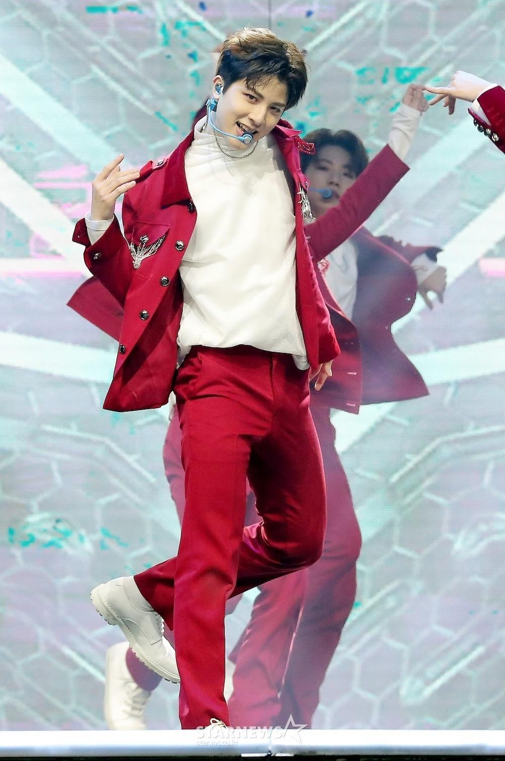 'AAA 2020': Sâu khấu bùng nổ của TWICE, Super Junior, Got7, NCT, ITZY và Kang Daniel Ảnh 69