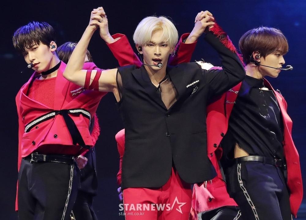 'AAA 2020': Sâu khấu bùng nổ của TWICE, Super Junior, Got7, NCT, ITZY và Kang Daniel Ảnh 53