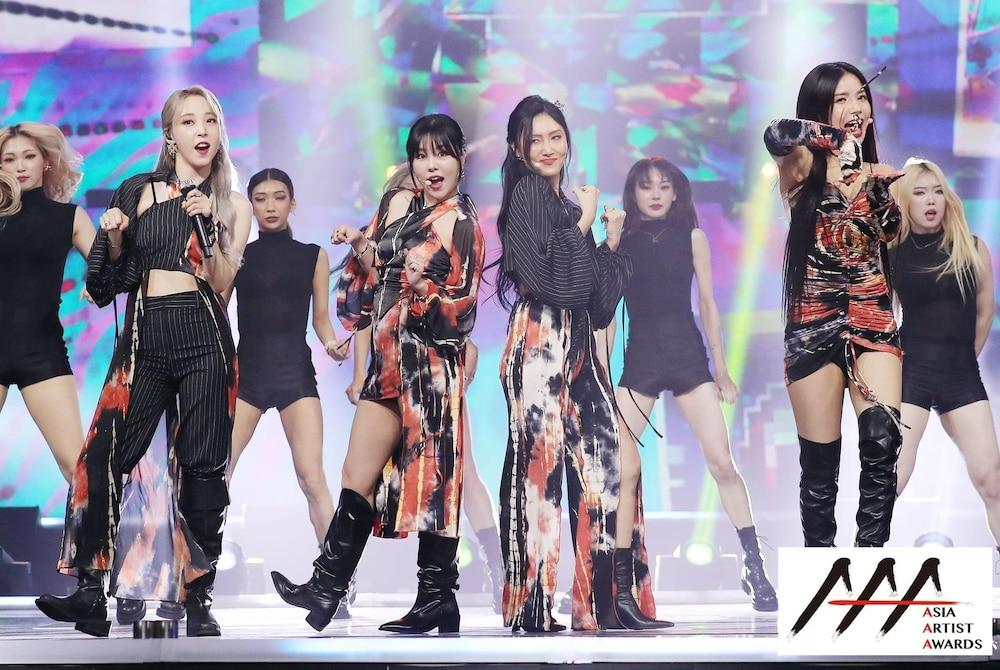 'AAA 2020': Sâu khấu bùng nổ của TWICE, Super Junior, Got7, NCT, ITZY và Kang Daniel Ảnh 38