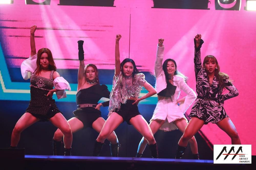 'AAA 2020': Sâu khấu bùng nổ của TWICE, Super Junior, Got7, NCT, ITZY và Kang Daniel Ảnh 77