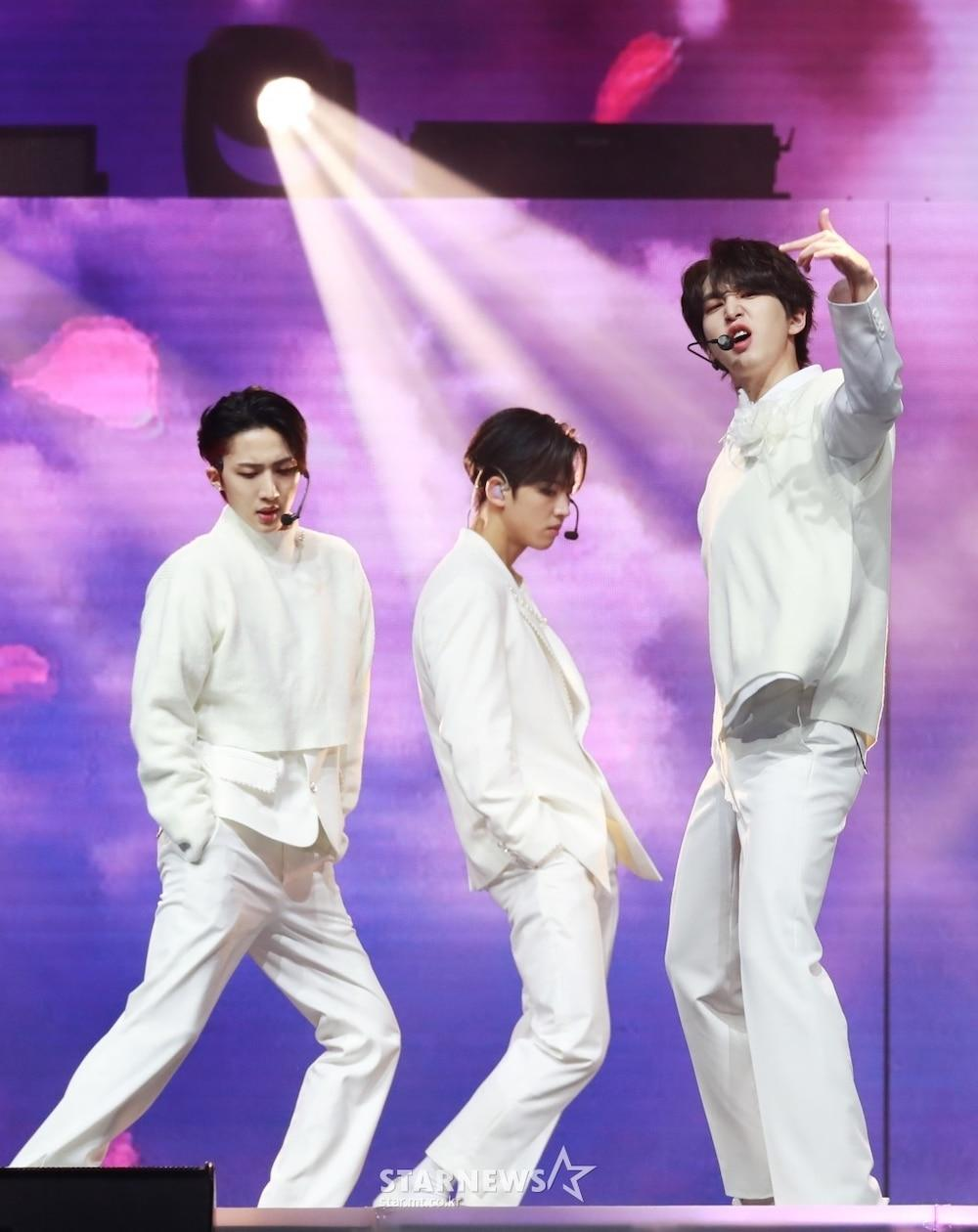 'AAA 2020': Sâu khấu bùng nổ của TWICE, Super Junior, Got7, NCT, ITZY và Kang Daniel Ảnh 84