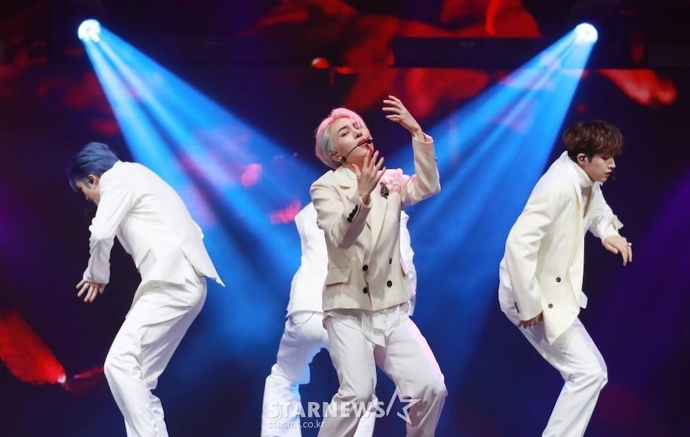 'AAA 2020': Sâu khấu bùng nổ của TWICE, Super Junior, Got7, NCT, ITZY và Kang Daniel Ảnh 87