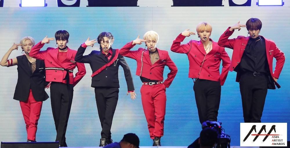 'AAA 2020': Sâu khấu bùng nổ của TWICE, Super Junior, Got7, NCT, ITZY và Kang Daniel Ảnh 49