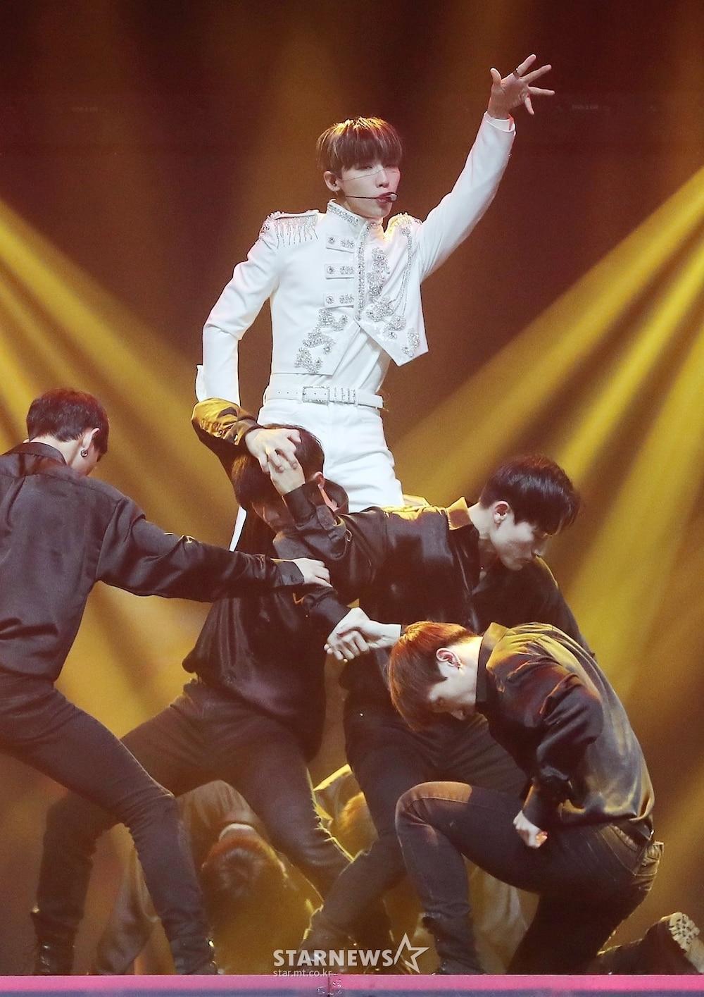 'AAA 2020': Sâu khấu bùng nổ của TWICE, Super Junior, Got7, NCT, ITZY và Kang Daniel Ảnh 32