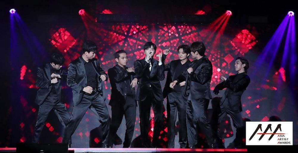 'AAA 2020': Sâu khấu bùng nổ của TWICE, Super Junior, Got7, NCT, ITZY và Kang Daniel Ảnh 21