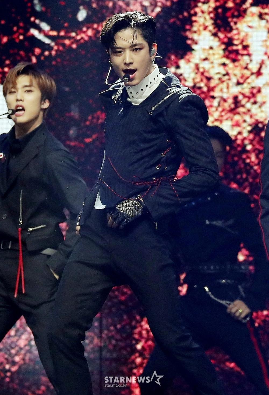 'AAA 2020': Sâu khấu bùng nổ của TWICE, Super Junior, Got7, NCT, ITZY và Kang Daniel Ảnh 16