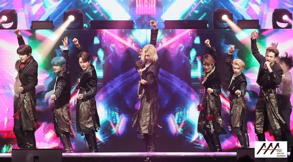 'AAA 2020': Sâu khấu bùng nổ của TWICE, Super Junior, Got7, NCT, ITZY và Kang Daniel Ảnh 43