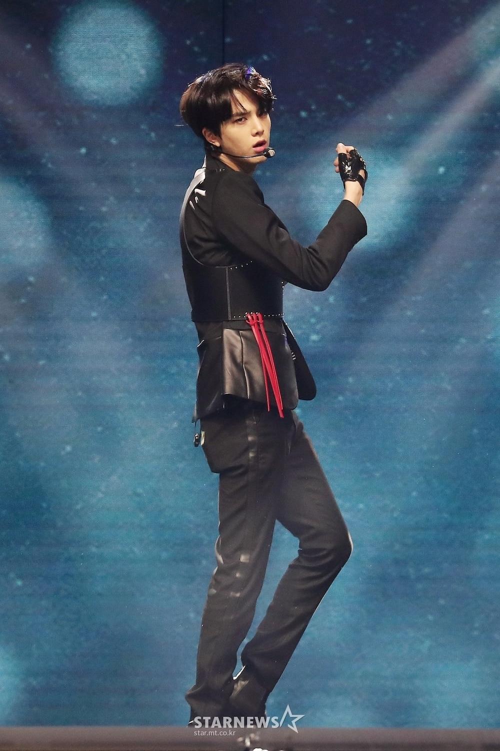 'AAA 2020': Sâu khấu bùng nổ của TWICE, Super Junior, Got7, NCT, ITZY và Kang Daniel Ảnh 15