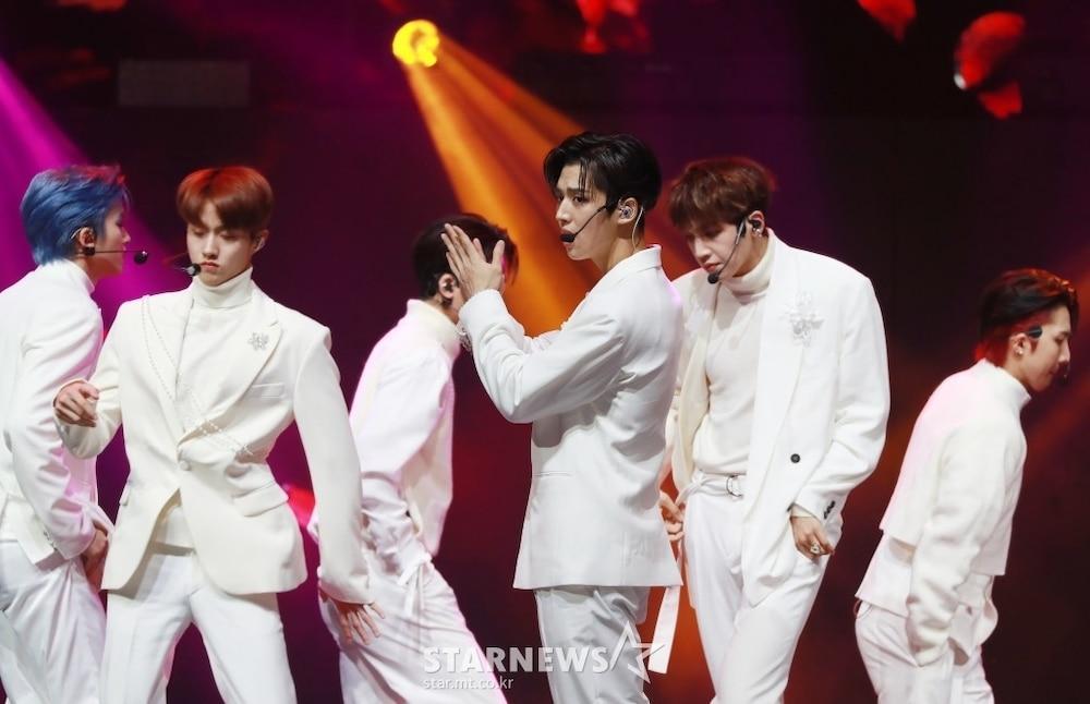 'AAA 2020': Sâu khấu bùng nổ của TWICE, Super Junior, Got7, NCT, ITZY và Kang Daniel Ảnh 85