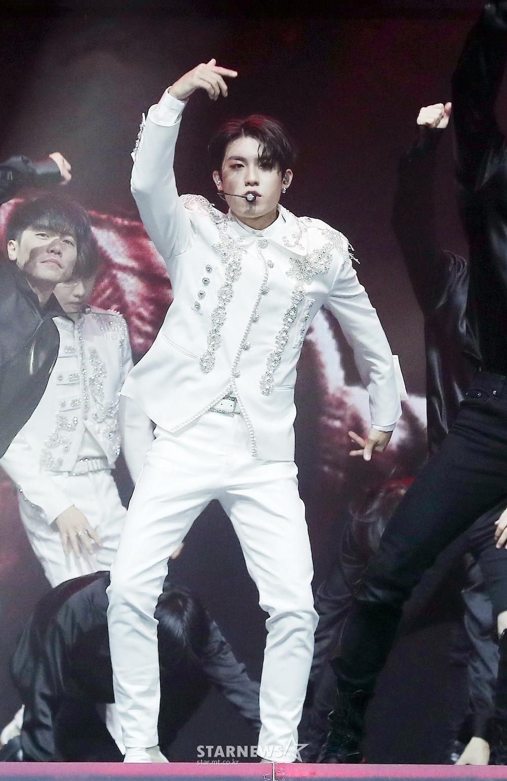 'AAA 2020': Sâu khấu bùng nổ của TWICE, Super Junior, Got7, NCT, ITZY và Kang Daniel Ảnh 33