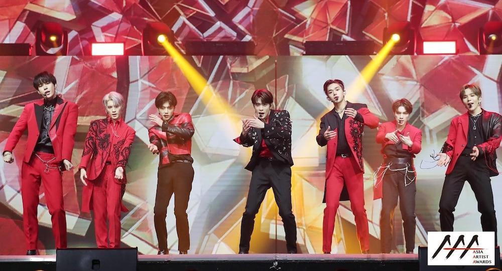 'AAA 2020': Sâu khấu bùng nổ của TWICE, Super Junior, Got7, NCT, ITZY và Kang Daniel Ảnh 6