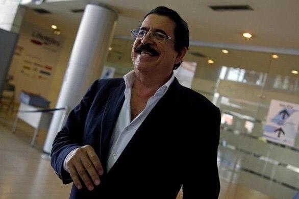 Bị tạm giữ vì mang 18.000 USD trong hành lý, cựu tổng thống Honduras than phiền 'thật bất công' Ảnh 1