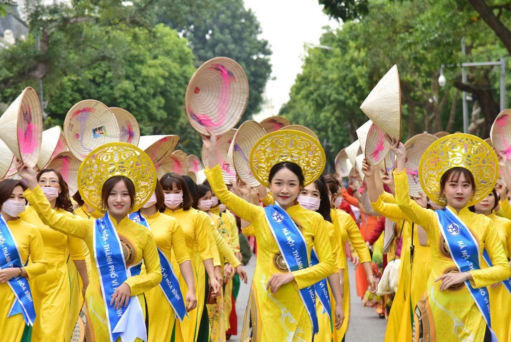 Lễ hội Áo dài 'Hương sắc Tràng An' Ảnh 6
