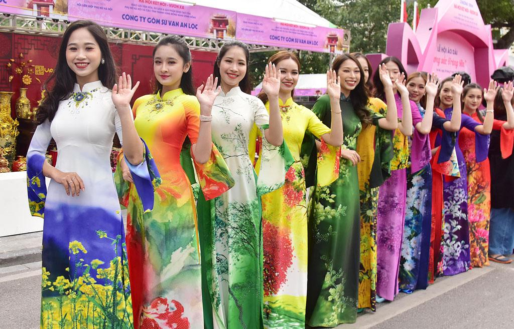 Lễ hội Áo dài 'Hương sắc Tràng An' Ảnh 2