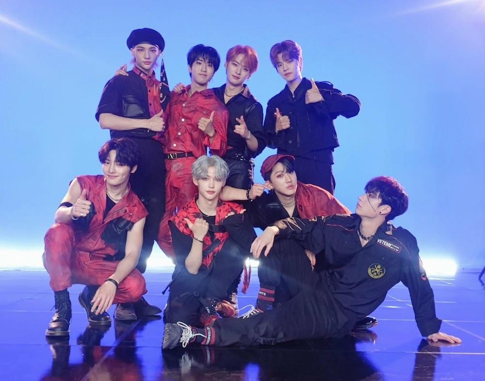 Màn trình diễn đỉnh nhất do 90 idol Kpop bình chọn: BLACKPINK hay BTS dẫn đầu? Ảnh 4