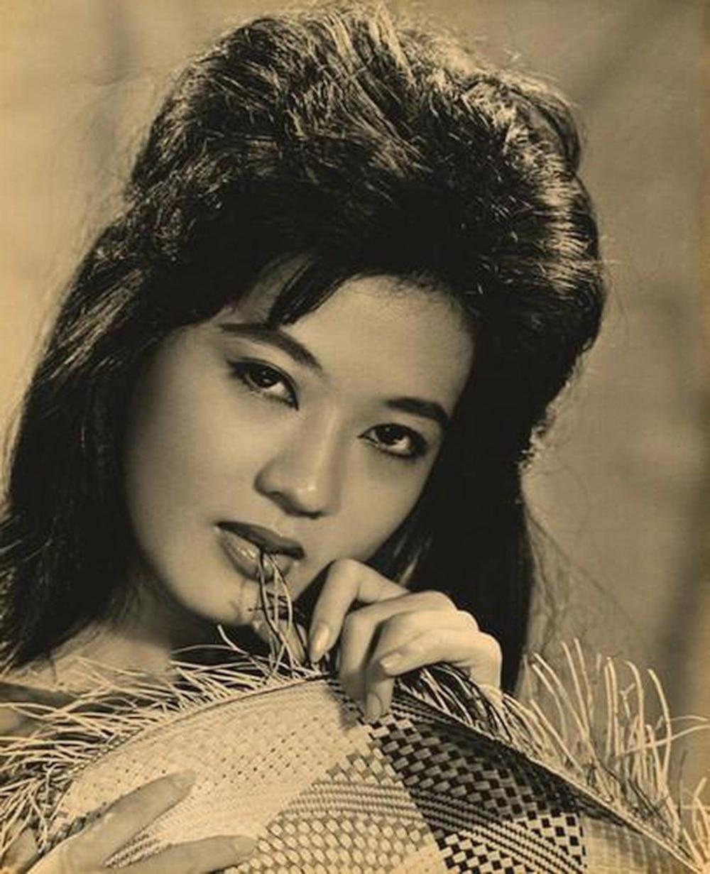 Xiêu lòng trước nhan sắc của dàn mĩ nhân thống trị showbiz Việt thập niên 1970 Ảnh 1