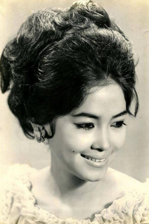 Xiêu lòng trước nhan sắc của dàn mĩ nhân thống trị showbiz Việt thập niên 1970 Ảnh 11
