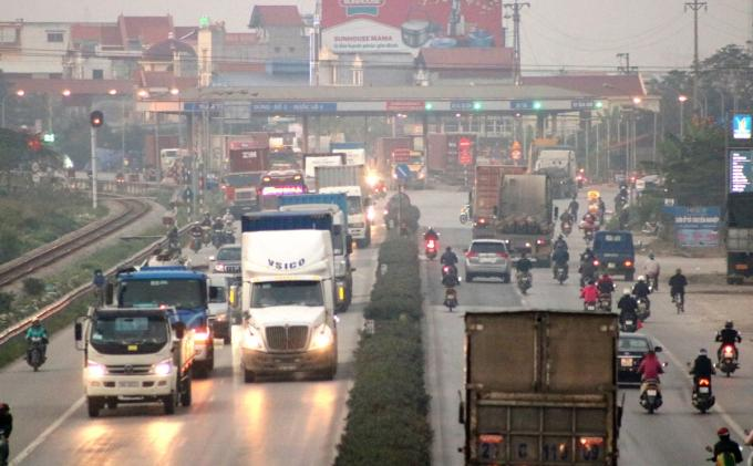Xe quá tải trên quốc lộ 5 giảm sâu sau hơn 3 tháng thí điểm cân tự động Ảnh 1