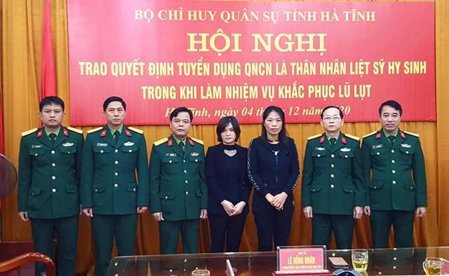 Thân nhân liệt sĩ Đoàn 337 được tuyển dụng làm quân nhân chuyên nghiệp Ảnh 1