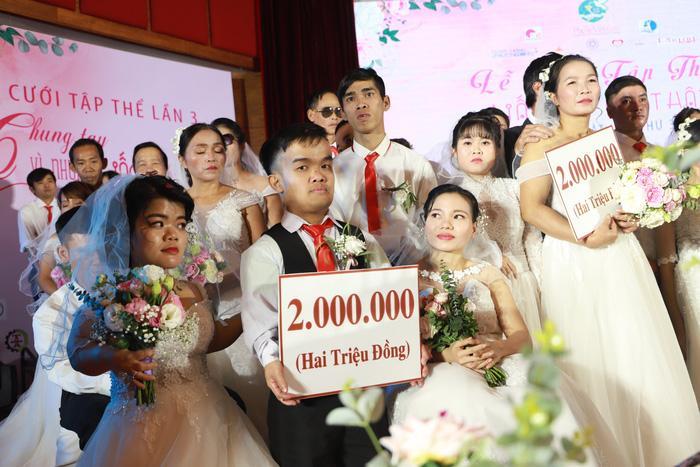 46 cặp đôi rạng rỡ hạnh phúc trong Lễ cưới tập thể 'Giấc mơ có thật' Ảnh 7