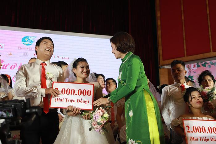 46 cặp đôi rạng rỡ hạnh phúc trong Lễ cưới tập thể 'Giấc mơ có thật' Ảnh 6