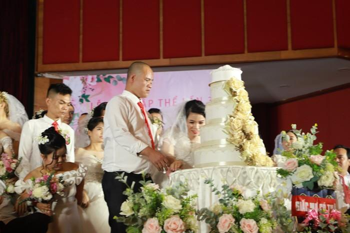 46 cặp đôi rạng rỡ hạnh phúc trong Lễ cưới tập thể 'Giấc mơ có thật' Ảnh 4