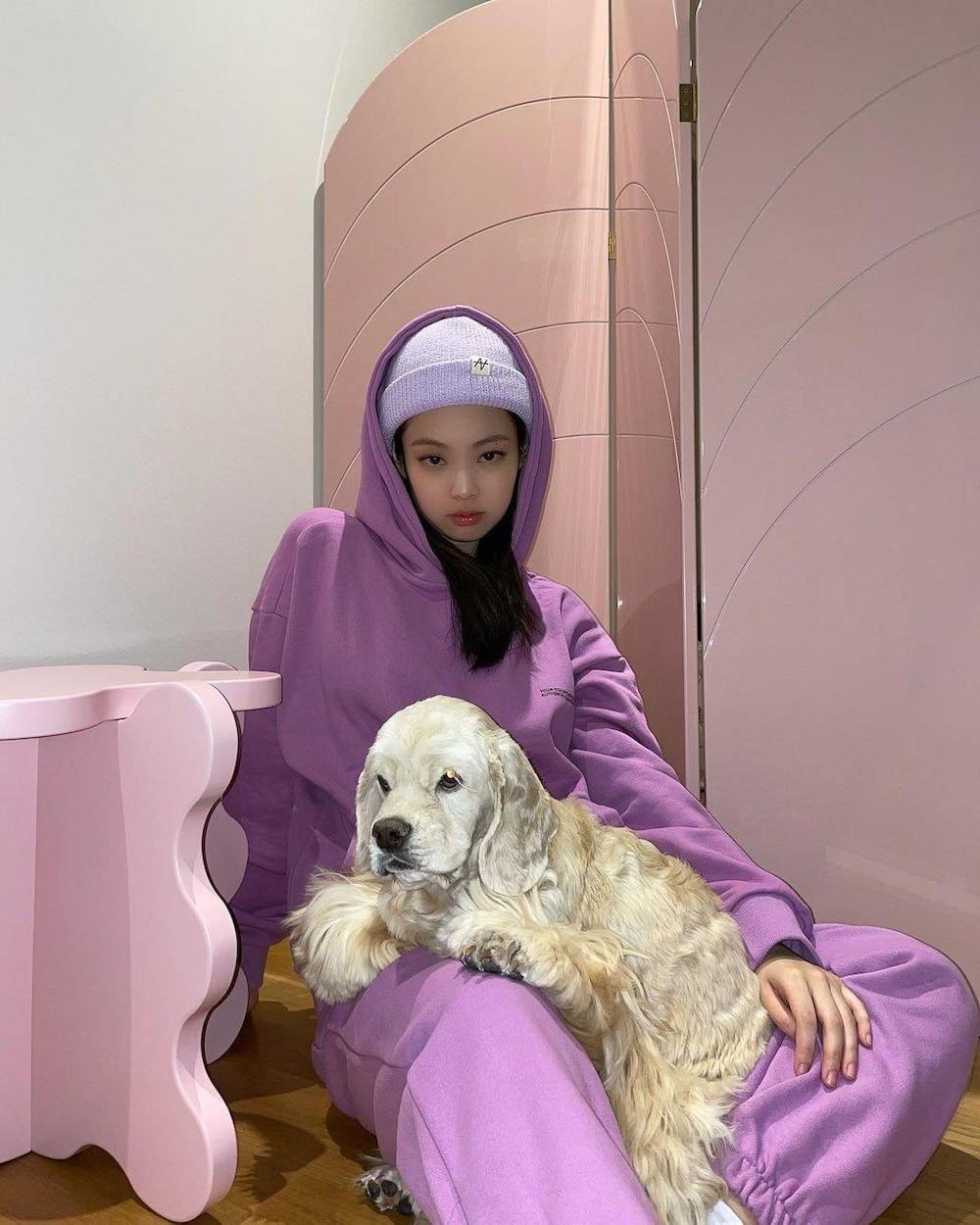 Jennie Black Pink lại được phong 'thánh' thời trang ứng dụng mùa thu đông 2020 Ảnh 4