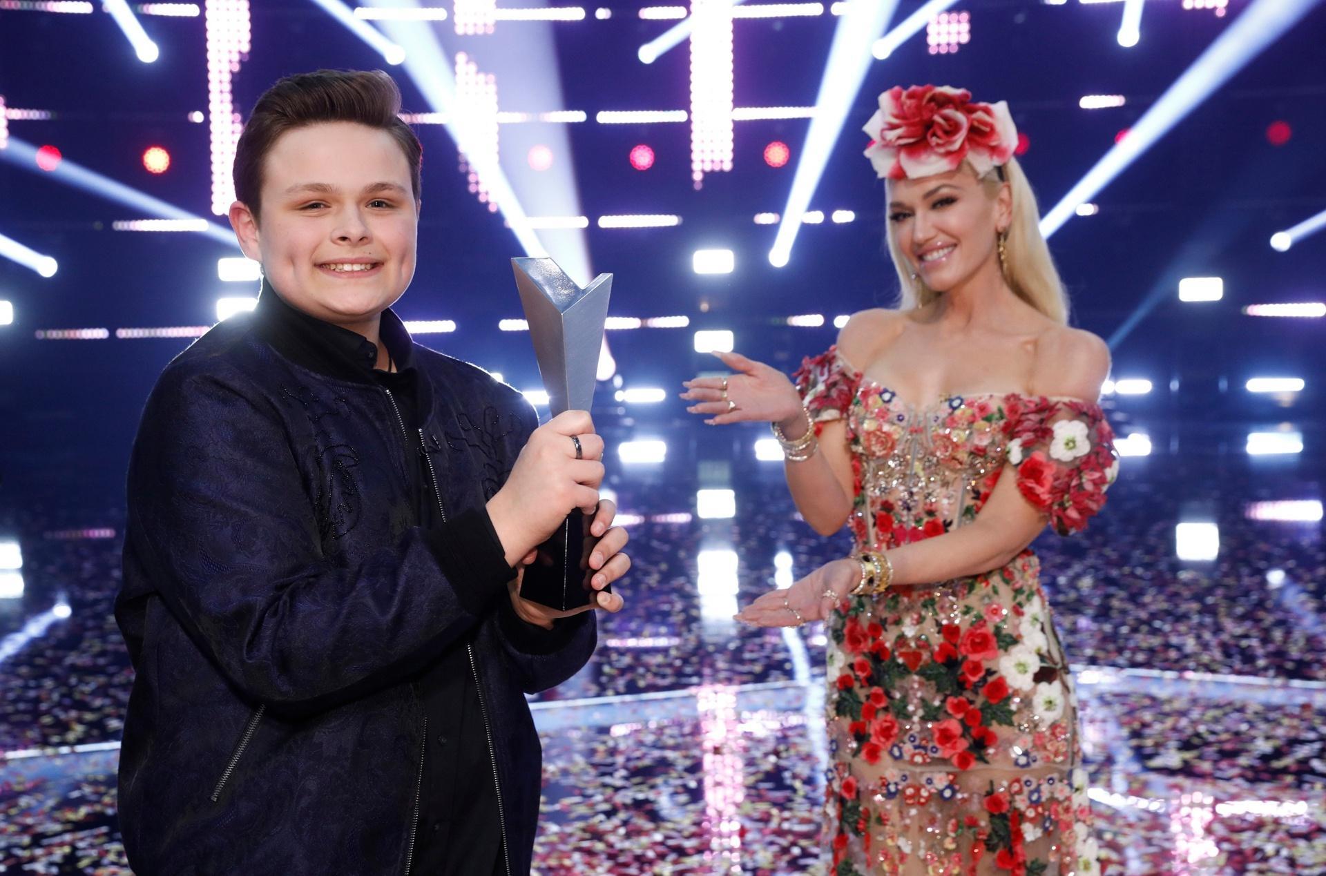 Giọng ca 15 tuổi chiến thắng The Voice Mỹ Ảnh 1